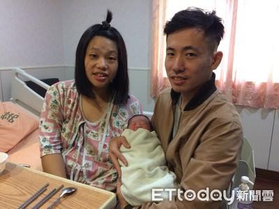 一家3人國慶寶寶 國慶媽:封肚不生