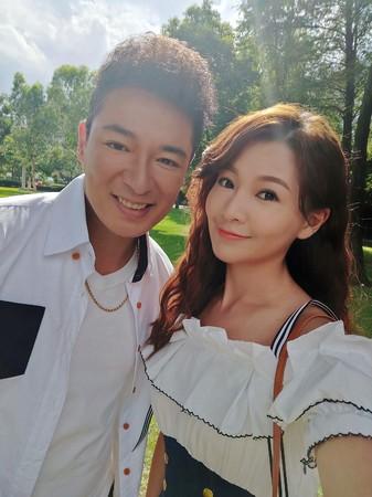 ▲▼成潤、謝京穎在《大時代》演情侶,劇中互動超甜。(圖/民視)