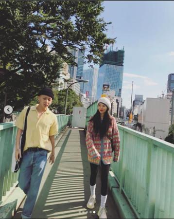 ▲▼泫雅上傳和男友E'dawn日本旅行親密照片。(圖/翻攝自泫雅IG)