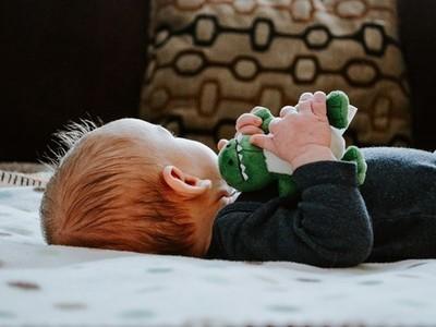 恍神朝女嬰搧落去!新手爸驚覺「家暴會遺傳」:受害人也變加害人