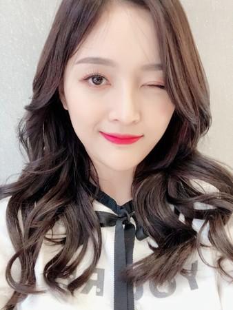 火箭少女新歌吴宣仪一句也没唱。 (图/翻摄自微博)