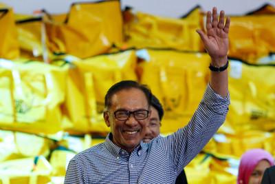 大馬前副首相安華:2020年交棒執政