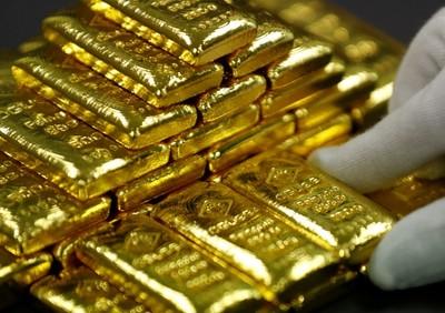 黃金挑戰1600美元 專家教你心法