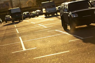 開名車鑽漏洞逃停車費 賠2萬緩起訴