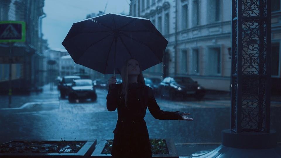 ▲▼下雨,雨天,雨傘。(圖/取自免費圖庫pixabay)