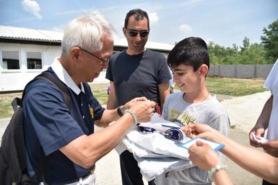 慈濟與聯合國難民署為難民照亮平安路