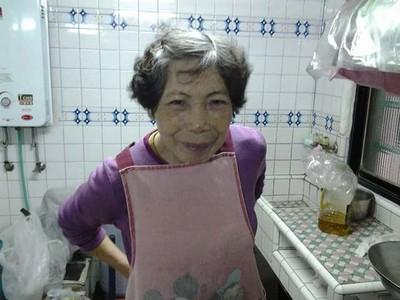替77歲媽慶生暖爆 兒:她扛水泥養家
