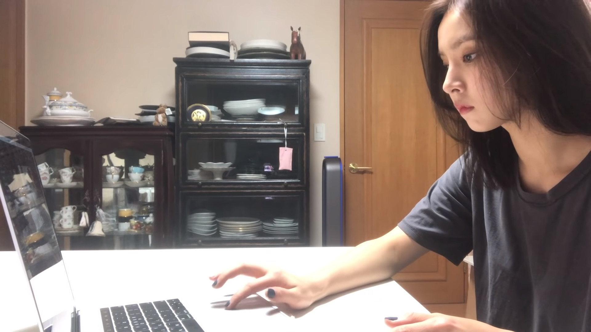 ▲▼申世景當起Youtuber(圖/翻攝自Youtube@신세경 sjkuksee)