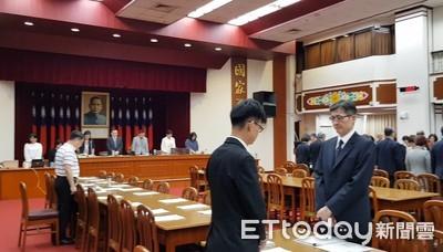 影/普悠瑪翻覆釀18死 立院財委會開會前全場默哀