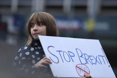 英70萬人反對「無條件」脫歐條約