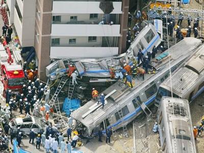 107條命「檢討書全推給駕駛」!最慘JR出軌事故,揭露病態企業文化