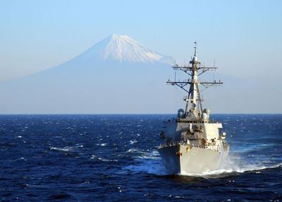 路透:大選後 美軍艦駛過台灣海峽