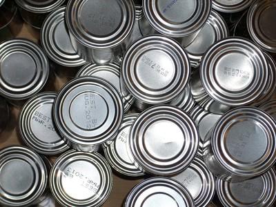 遇災必備!「不用開罐器」一招打開罐頭,緊急時活命多一招