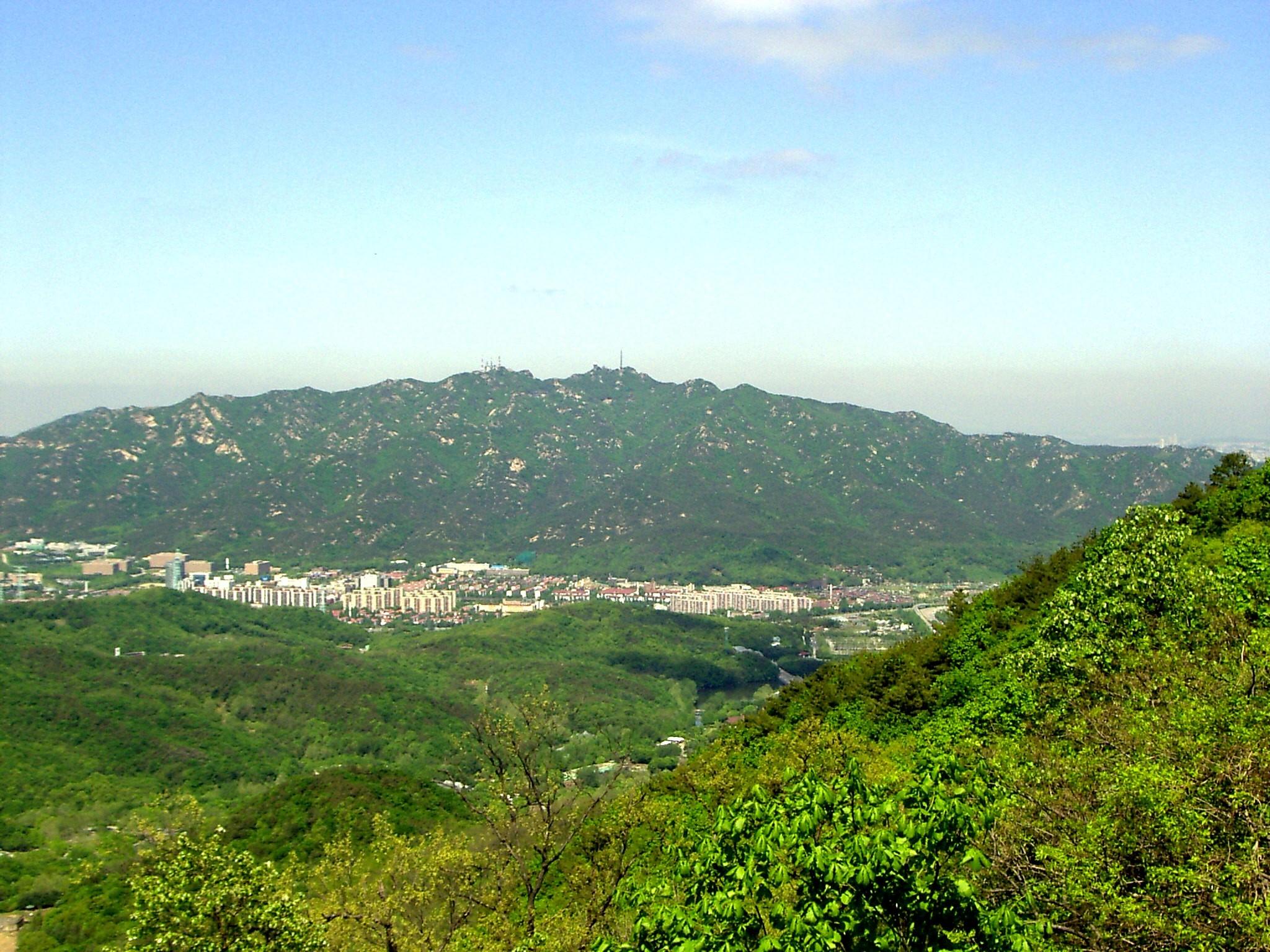 ▲▼首爾冠岳山(圖/翻攝自維基百科)