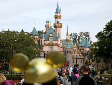 迪士尼前員工偷40萬布偶裝拍賣 連假髮都不放過