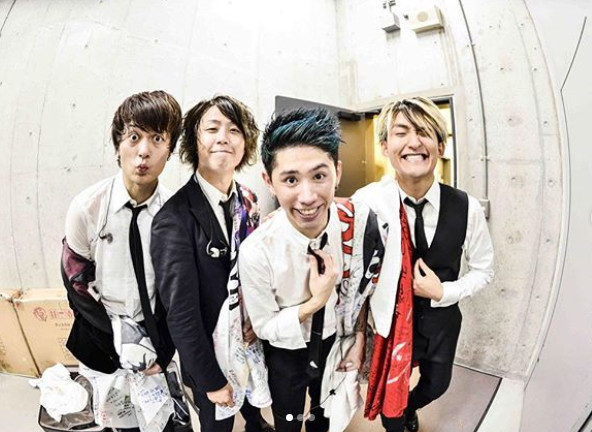 ONE OK ROCK鼓手Tomoya被爆與未成年少女發生關係。(圖/翻攝自Tomoya IG)