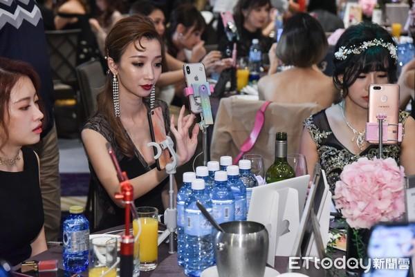 ▲▼浪Live星潮之夜,首屆台灣LIVE人氣銷售王爭霸賽。(圖/記者李毓康攝)