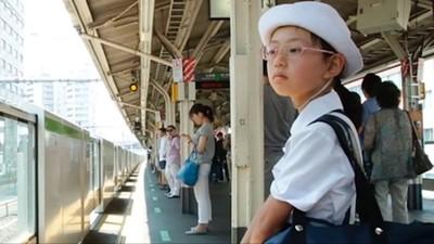 日本孩童自己搭電車上學 「初遣」後訓練獨立 歐美驚呼:也太放心