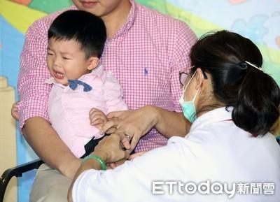 6個月以下寶寶為何非流感疫苗接種對象?和「人體試驗」有關