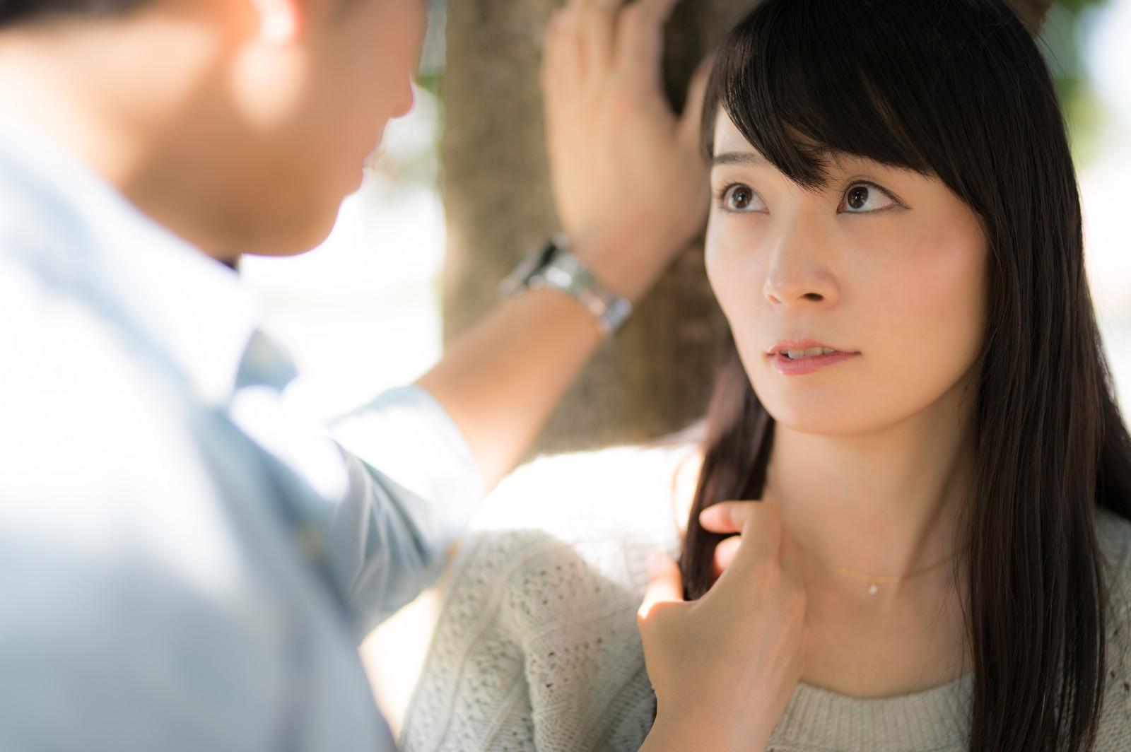 ▲▼傳聖經內容給女友(圖/Pakutaso)