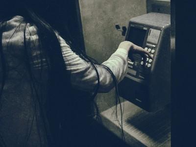 真實資料「被朋友曬上網」!回憶10年前...天天接騷擾電話只能哭