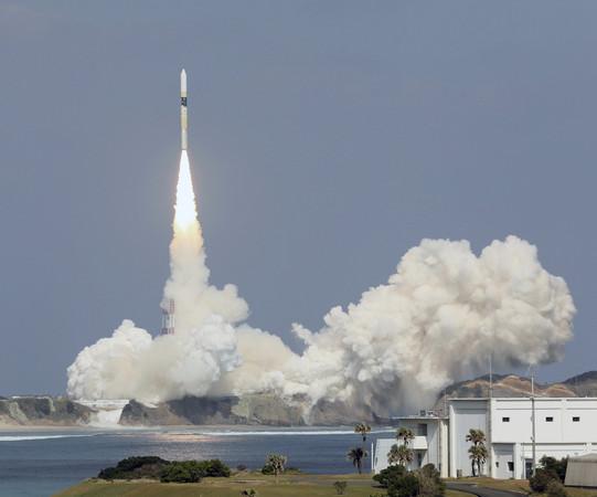 ▲▼日本在29日下午1點成功發射人造衛星「氣息2號」。(圖/達志影像/美聯社)。