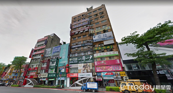 ▲▼建案廣告。(圖/擷取自google map)