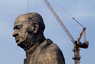 全球最高!印度182公尺英雄雕像揭幕