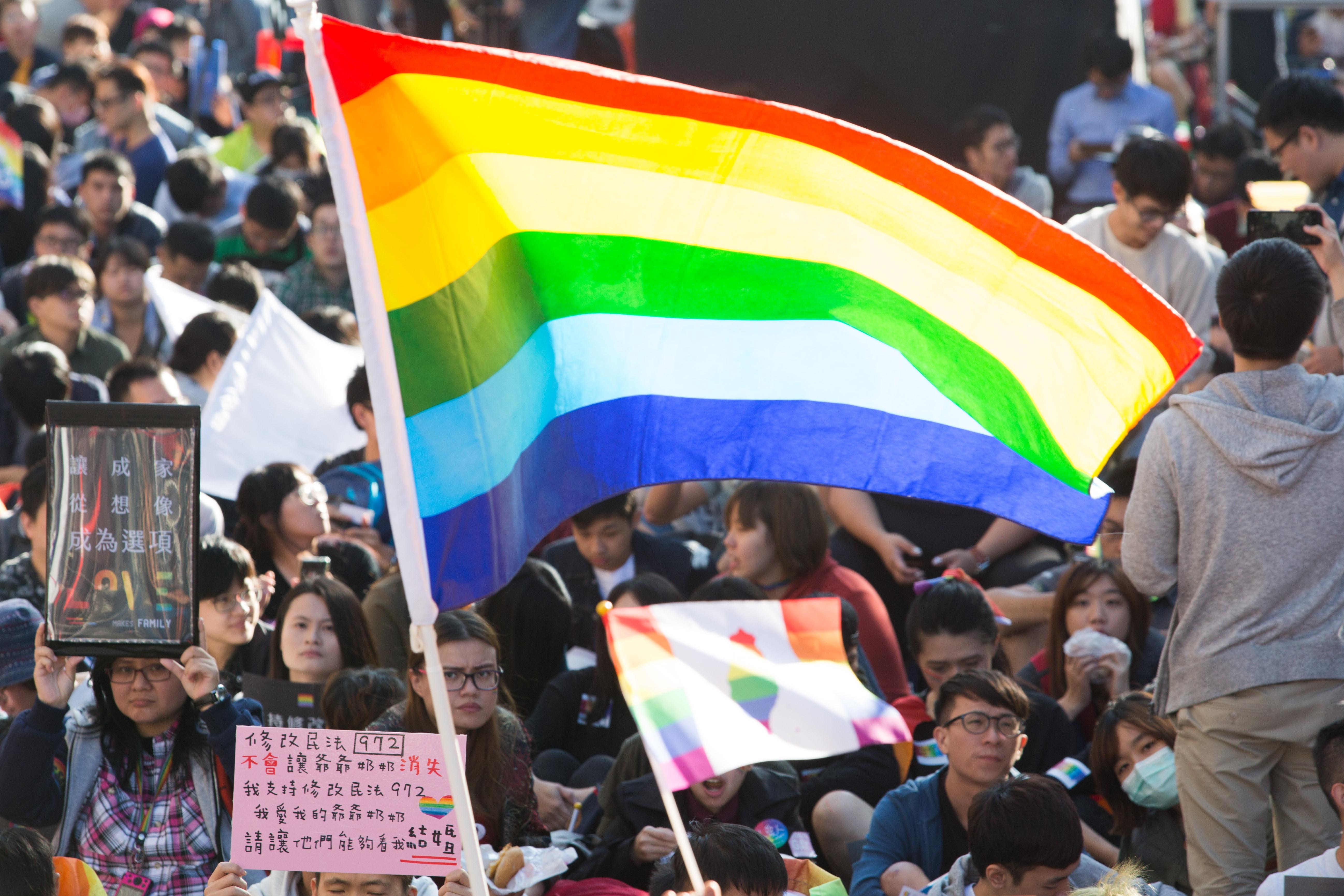 ▲▼1226婚姻平權法案,挺同團體,彩虹旗(圖/記者季相儒攝)