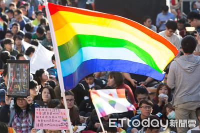 「國際A咖」跨海挺台灣同婚!留言吵一團