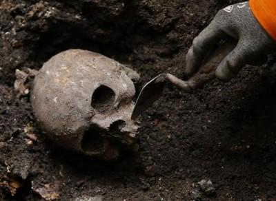 英國高鐵挖出4萬具18至19世紀人骨