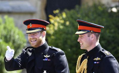 威廉、哈利王子從小被訓練撿垃圾