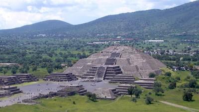 「月亮金字塔」下發現神秘暗道 考古學家:通往陰間的道路