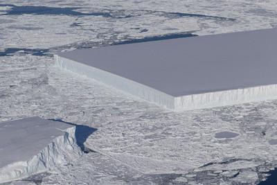 「棺材冰山」正迅速融化