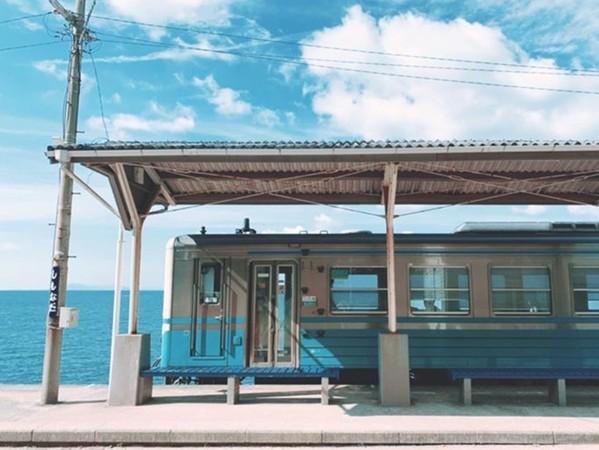 日本秘境「下灘車站」像穿越到異世界!神隱少女水中鐵道也在這   深海大花枝   鍵盤大檸檬   ETtoday新聞雲
