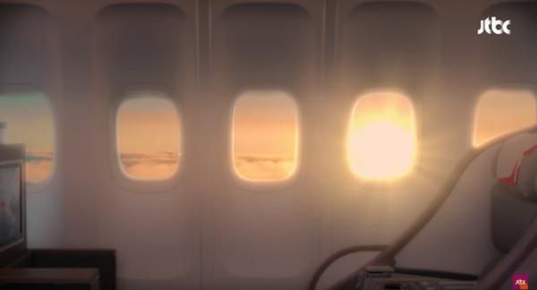 ▲▼《愛上變身情人》李民基為徐玄振包下一架飛機。(圖/翻攝自JTBC)
