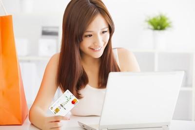 雙11網購大節 各大銀行信用卡拚回饋直飆10%~20%