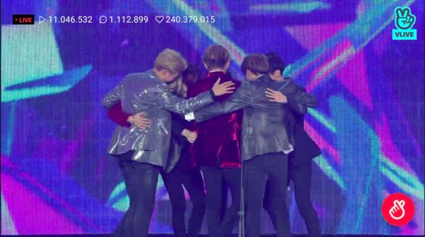 ▲▼防彈少年團(BTS)在第一屆MGA頒獎典禮獲得「年度數位專輯」和「年度藝人」兩個大賞。(圖/翻攝自VLIVE)