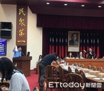 影/立委突提案查肥貓條款 原會議數度停擺 主席痛批選前作秀