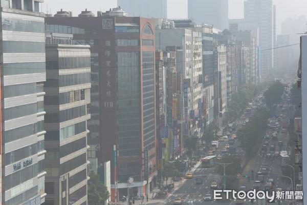 ▲台北市空氣汙染狀況。(圖/記者周書羽攝)