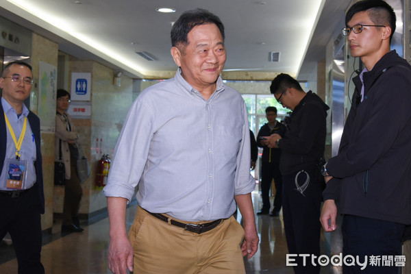 ▲▼台北市長候選人辯論,無黨籍參選人李錫錕。(圖/記者林敬旻攝)