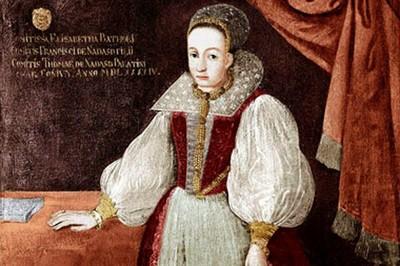女版德古拉伯爵 銀針縫唇放血沐浴 600名少女鮮血成就她美麗