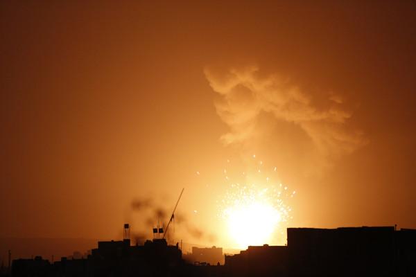 ▲葉門空襲。(圖/達志影像/美聯社)