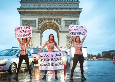 裸上空3女凱旋門抗議 高喊歡迎戰犯