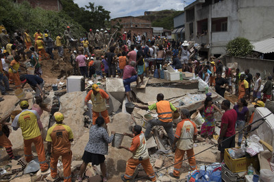 里約大石崩落連環撞 壓扁6宅至少10死