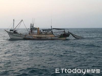 漁船違規拖網 台南海巡取締2起