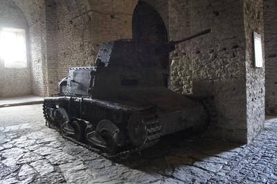 退役坦克該丟哪? 黎巴嫩丟大海