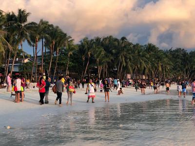 環時:中國商戶沒影響長灘島本地人生意