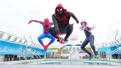 搭郵輪進入「蜘蛛宇宙」! 跟超級英雄一起在藍海上擺盪遊走