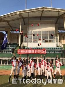 7戰全勝 東體青少棒獲軟式聯賽冠軍